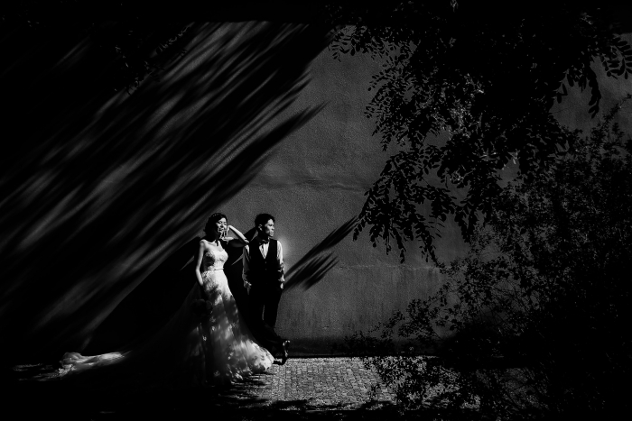 wedding-shadows-black-and-white